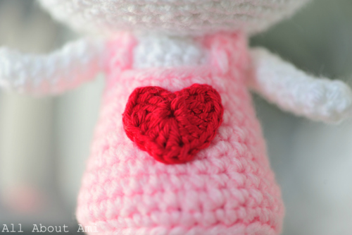 Crochet Sweetheart Bunny