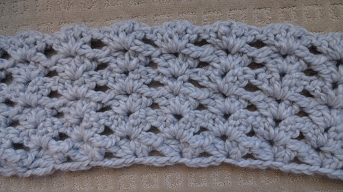 Buttoned Shell Stitch Cowl