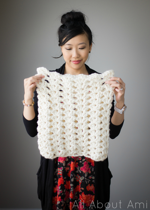 Round Shell Stitch Cowl