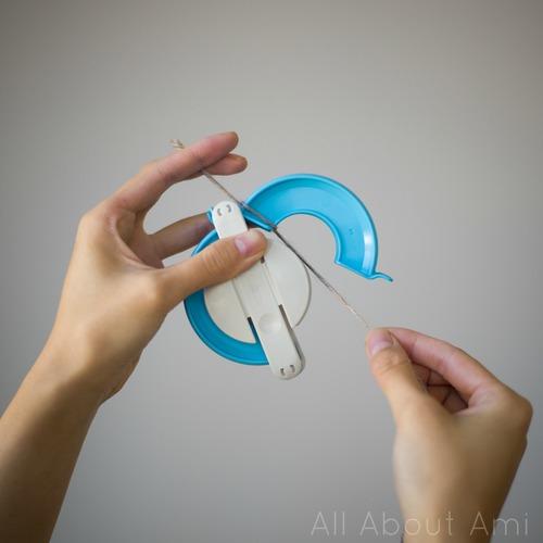 How to Use Clover Pom Pom Maker