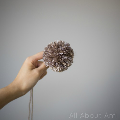How to Use Clover Pom Pom Maker