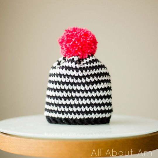 Simple Black & White Beanie by Stephanie @ All About Ami