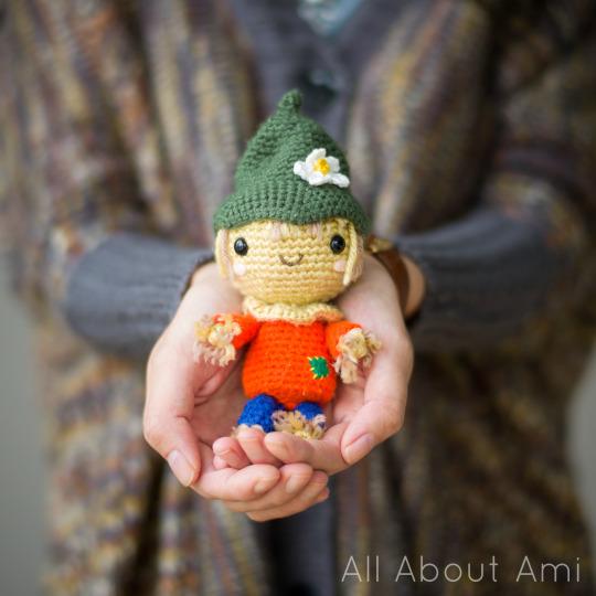 Crochet Amigurumi Scarecrow