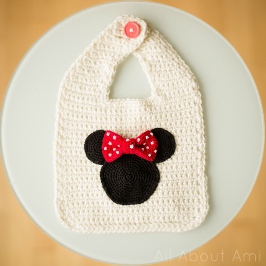 Minnie Mouse Basic Bib All About Ami
