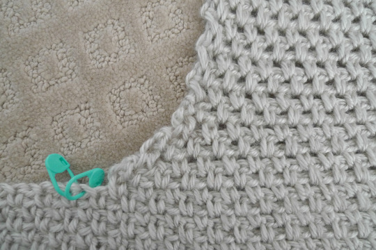 86f033d5c82 Then I simply continued on with the typical granite moss stitch pattern.  You can see the smooth curve formed rather than a sharp angle as the right  panel ...