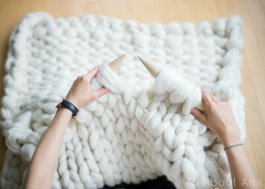 Knitting Patterns For Jumbo Needles : Extreme Knitted Blanket - All About Ami