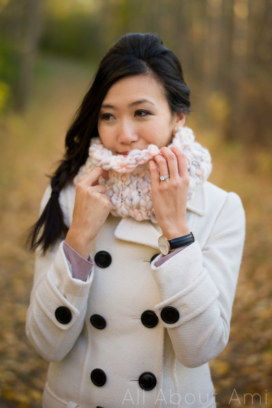 Knitted Thick and Thin Cowl