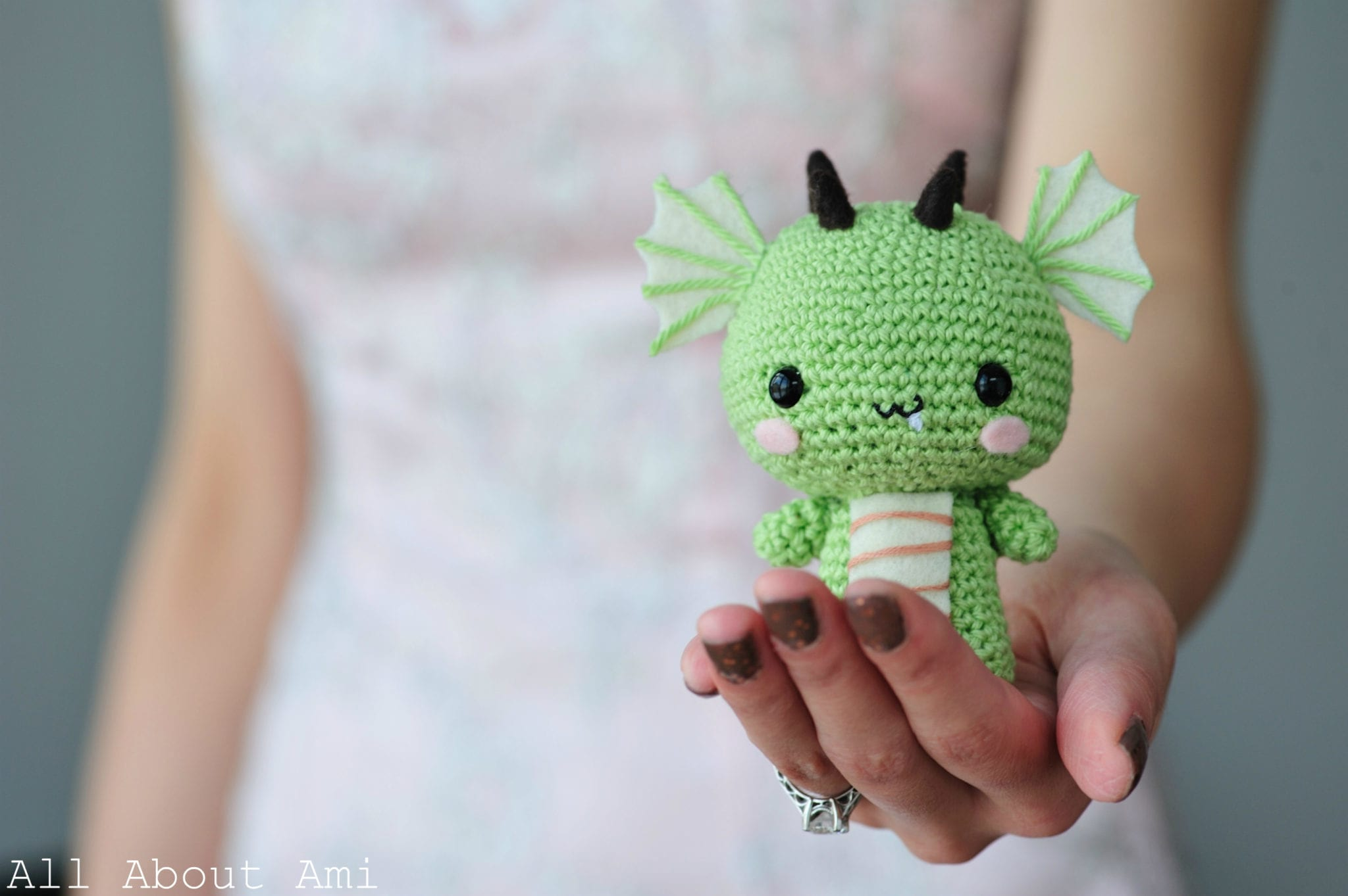10 Free Crochet Patterns for Dragons - CrochetKim™ | 1363x2048