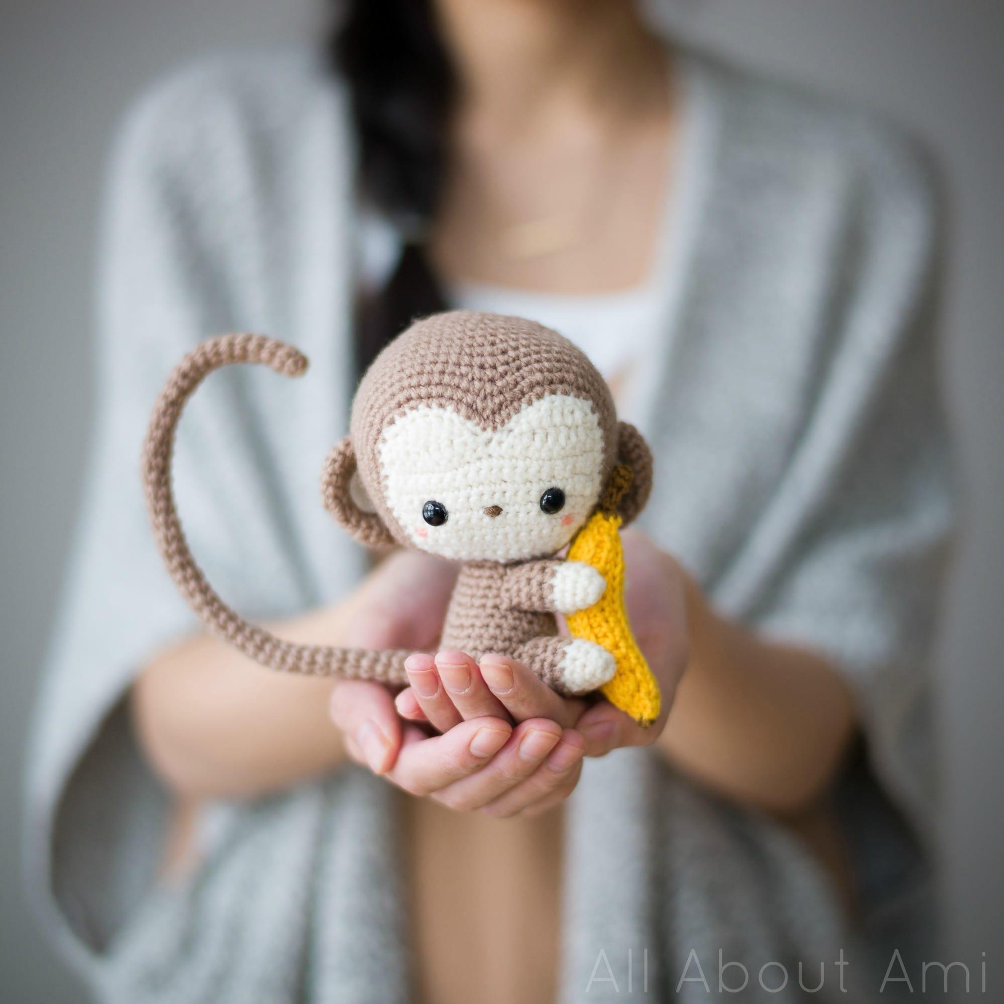 Crochet Happy Monkey • Sewrella   2000x2000
