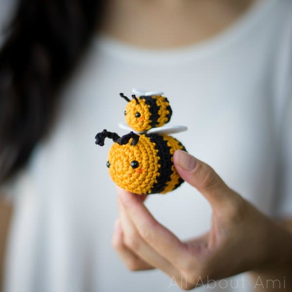 Make your own little crocheted bee with this free amigurumi ... | 600x600