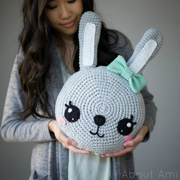 Elephant Pillow Crochet Pattern by IraRott - YouTube | 600x600