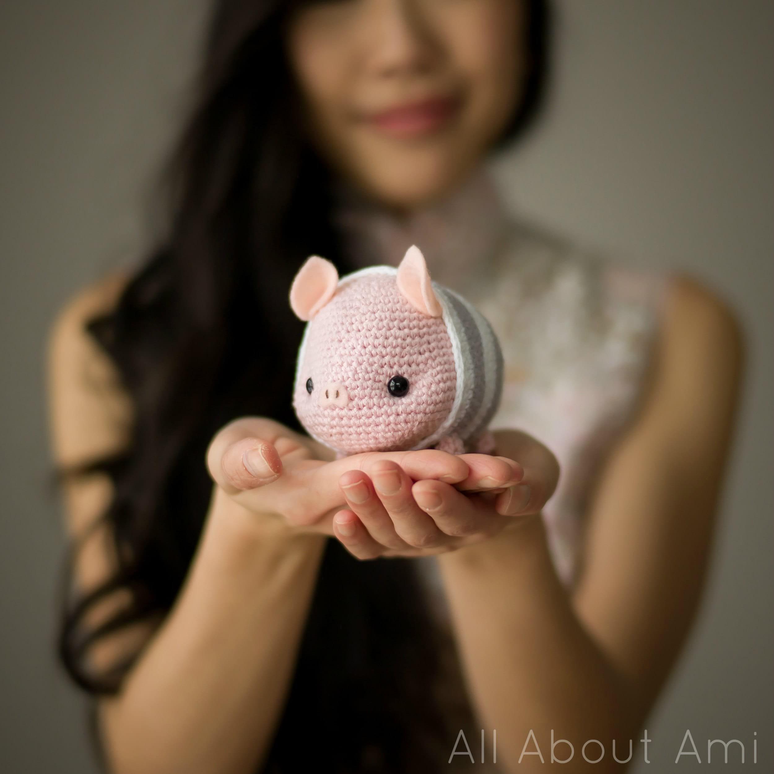 Adorable bunny amigurumi with hat - Amigurumi Today   2500x2500