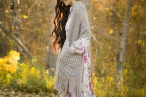 Calla Lily Pocket Shawl Crochet Pattern