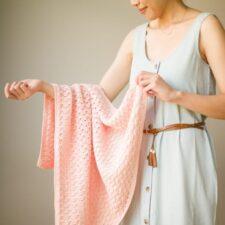 Dainty Shells Crochet Baby Blanket